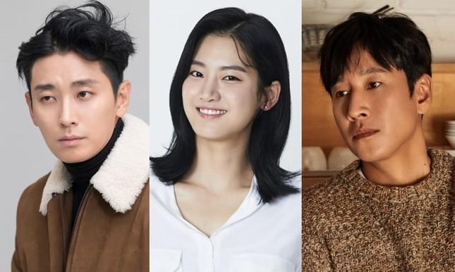 """Joo Ji Hoon, Bae Doo Na lần lượt công bố phim mới, số phận """"Kingdom"""" phần 3 sẽ thế nào? ảnh 2"""