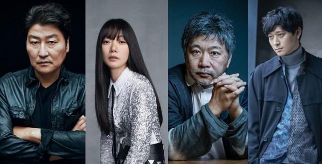 """Joo Ji Hoon, Bae Doo Na lần lượt công bố phim mới, số phận """"Kingdom"""" phần 3 sẽ thế nào? ảnh 1"""