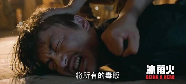 """Fan xót xa khi Trần Hiểu, Vương Nhất Bác bầm dập trong trailer mới của """"Băng Vũ Hỏa""""  ảnh 2"""