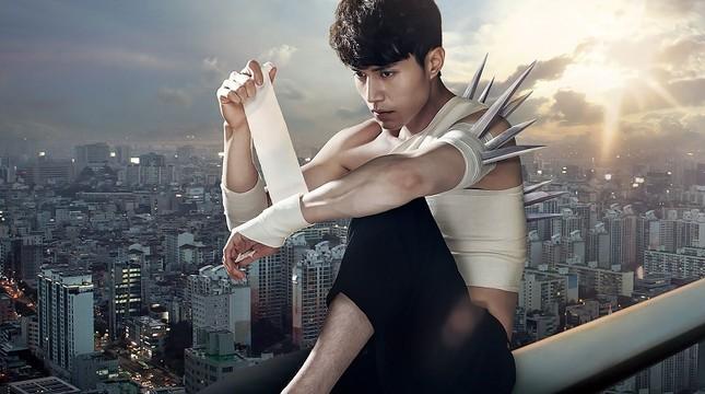 """Những """"bảo bối"""" ăn tiền, giúp fan nhớ ngay những vai diễn của Lee Dong Wook ảnh 2"""