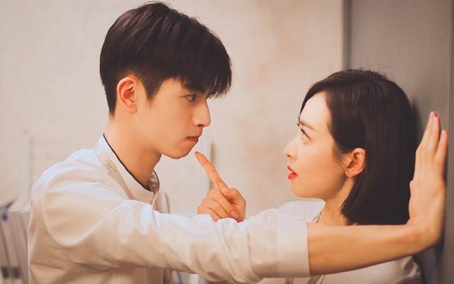 """Điểm lại những bộ phim đáng chú ý trong năm 2020 của """"Nữ thần Kim Ưng"""" Tống Thiến ảnh 2"""
