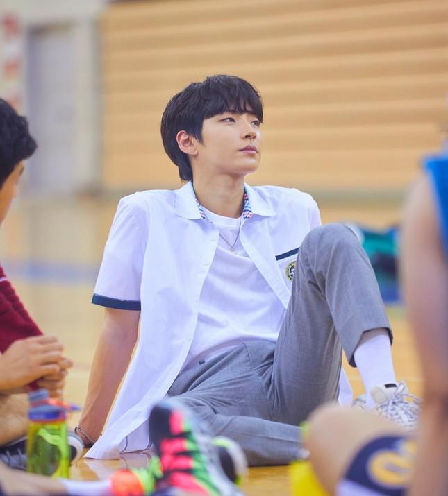 True Beauty: Bị chê không hợp nhưng giờ nhân vật của Hwang In Yeob lại được chờ đợi nhất ảnh 1