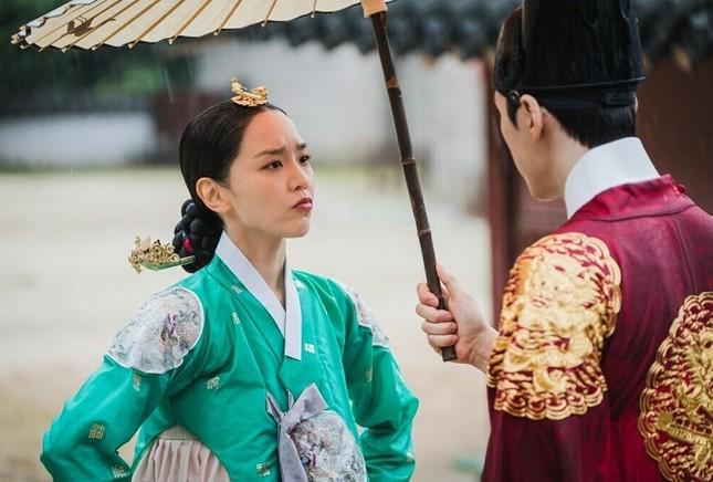 """Top 4 phim đang hot rần rần xứ Kim chi: """"Cuộc Chiến Thượng Lưu"""" được nhắc đầu tiên ảnh 3"""