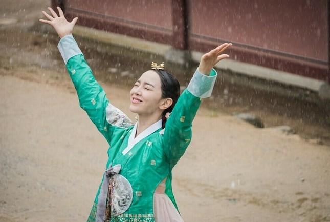"""Top 4 phim đang hot rần rần xứ Kim chi: """"Cuộc Chiến Thượng Lưu"""" được nhắc đầu tiên ảnh 6"""