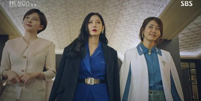 """Top 4 phim đang hot rần rần xứ Kim chi: """"Cuộc Chiến Thượng Lưu"""" được nhắc đầu tiên ảnh 2"""