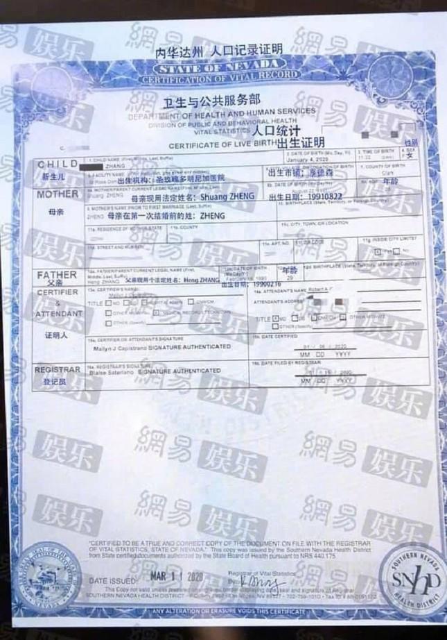 SỐC: Tình cũ Trịnh Sảng công bố hình ảnh con trai do Trịnh Sảng nhờ người mang thai hộ? ảnh 3