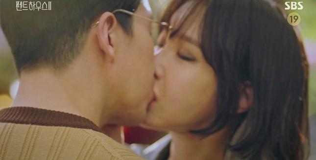 """""""Cuộc Chiến Thượng Lưu 2"""" liên tiếp bứt phá rating nhờ sự trở lại của bà cả Lee Ji Ah ảnh 5"""