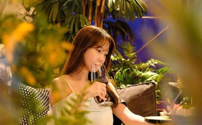 """""""Cuộc Chiến Thượng Lưu 2"""" liên tiếp bứt phá rating nhờ sự trở lại của bà cả Lee Ji Ah ảnh 1"""
