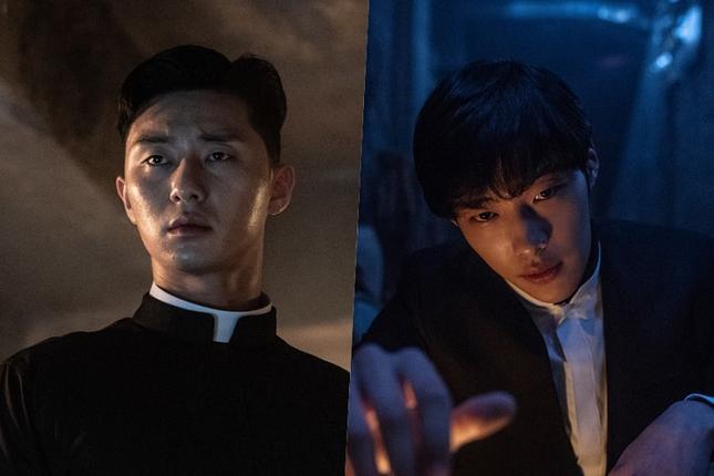 """Park Seo Joon, Woo Do Hwan và màn đối đầu ấn tượng trong """"Bàn Tay Diệt Quỷ"""" ảnh 2"""