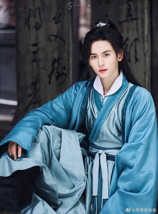Trương Triết Hạn bao năm dưới trướng Vu Chính bị lãng quên, về với Triệu Vy liền lên đời ảnh 2