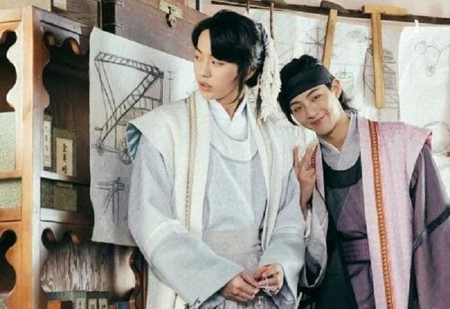 """Nam Joo Hyuk """"nằm không cũng dính đạn"""" giữa scandal bạo lực học đường của Ji Soo ảnh 2"""