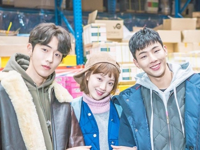 """Nam Joo Hyuk """"nằm không cũng dính đạn"""" giữa scandal bạo lực học đường của Ji Soo ảnh 3"""