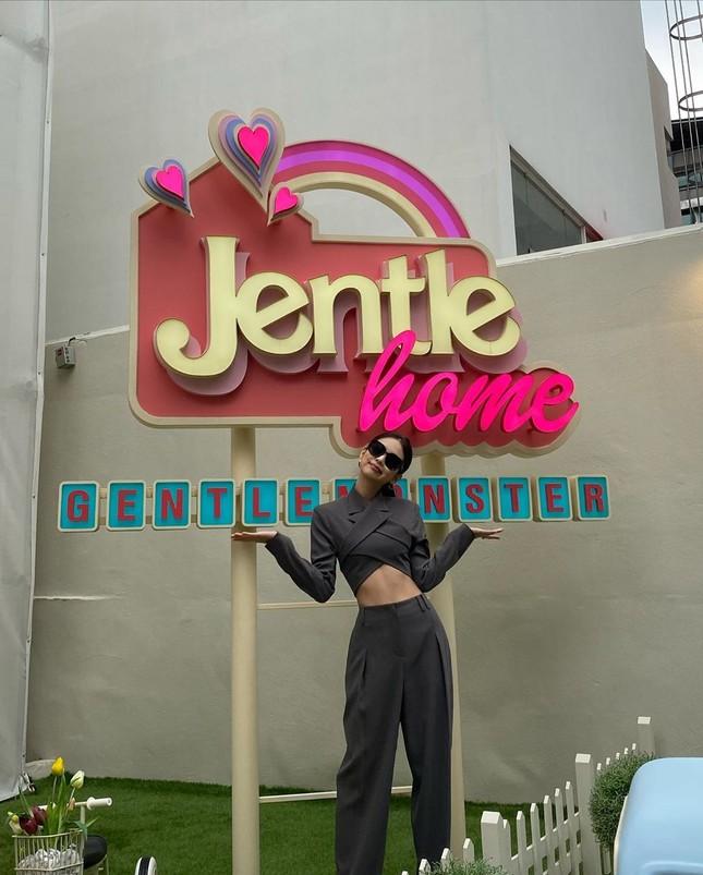 Jentle Home của Jennie chính thức mở cửa, phong cách đúng như ngôi nhà búp bê xinh xắn ảnh 3