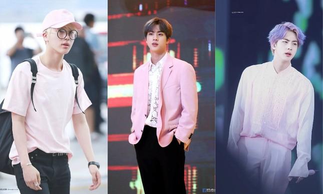 Những idol này chứng minh các chàng trai vẫn có thể mặc đẹp với trang phục màu hồng ảnh 1
