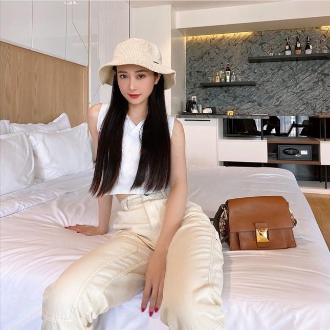 Thời trang sao Việt tuần qua: Trang phục sắc trắng lên ngôi, làm dịu những ngày oi nóng ảnh 9