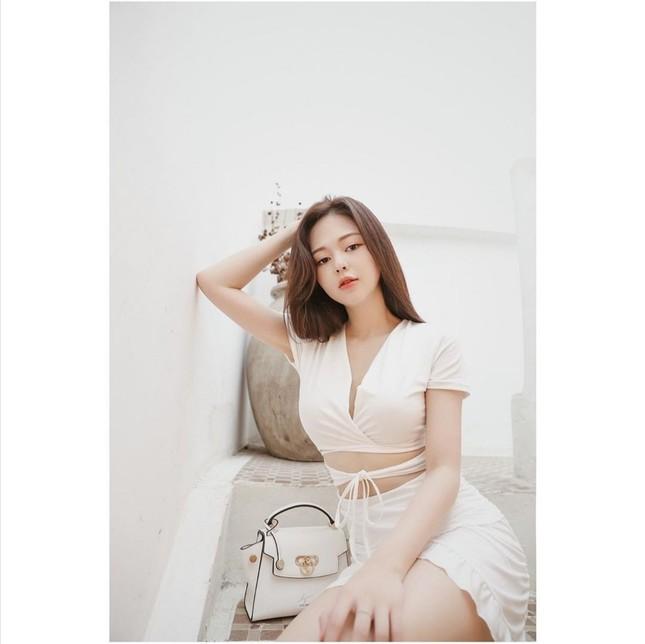 Thời trang sao Việt tuần qua: Trang phục sắc trắng lên ngôi, làm dịu những ngày oi nóng ảnh 12