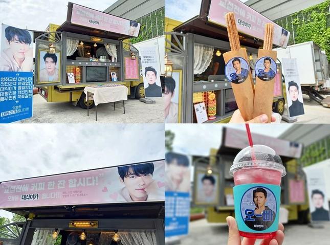 Fan nhà Hyun Bin chơi lớn, mở hẳn đại tiệc sang chảnh chiêu đãi đoàn làm phim ảnh 1