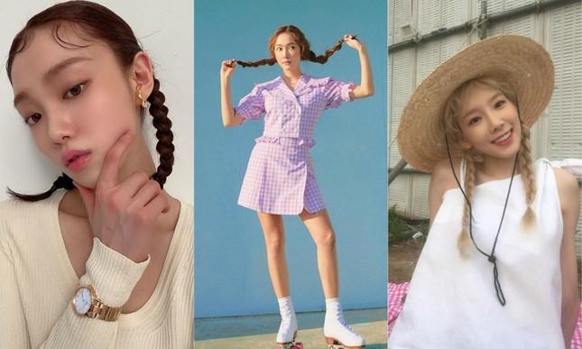 """Xinh xắn, trẻ trung lại """"bao"""" mát, bảo sao các nữ idol thích buộc tóc kiểu """"bé gái"""" ảnh 6"""
