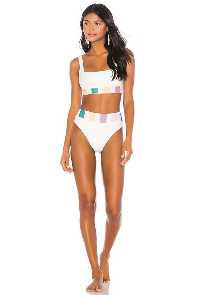 Bikini cạp cao: Kín đáo mà vẫn khoe được hết những đường cong của cơ thể ảnh 2