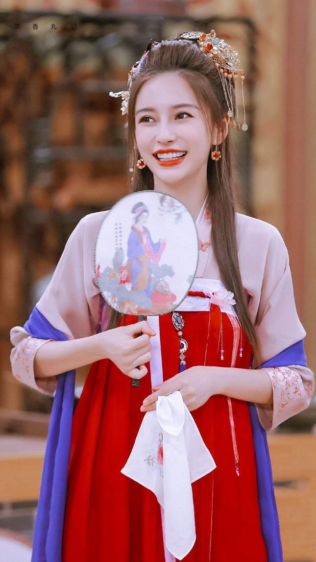 Angela Baby khiến khán giả xuýt xoa với tạo hình tiểu tiên nữ trong show Xảo Thủ Thần Thám ảnh 3