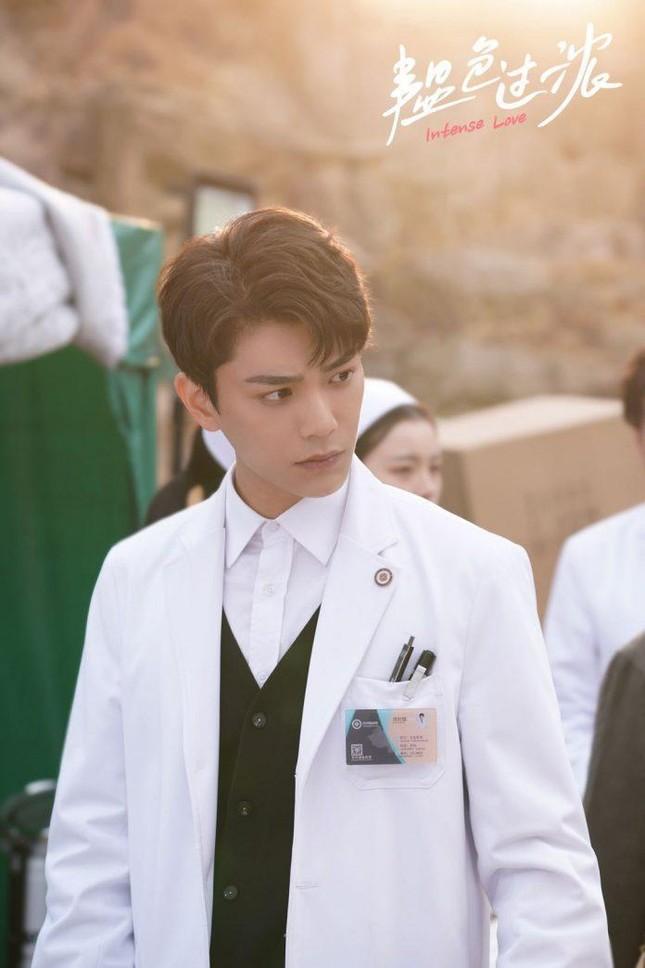 """Đinh Vũ Hề - Vừa đẹp trai vừa đa tài, """"nam thần"""" chuẩn mực mới trong lòng fangirl ảnh 7"""