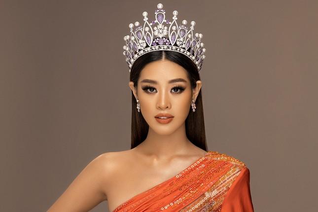 Hoa hậu Khánh Vân khoe thần thái sang trọng, sẵn sàng cho sàn đấu Miss Universe 2020 ảnh 5