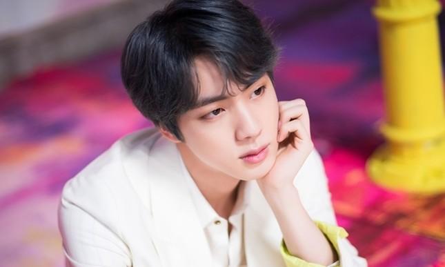 """Jin (BTS) xứng danh """"nam thần"""" với khuôn mặt có tỉ lệ y chang thần Zeus của thần thoại Hy Lạp ảnh 7"""