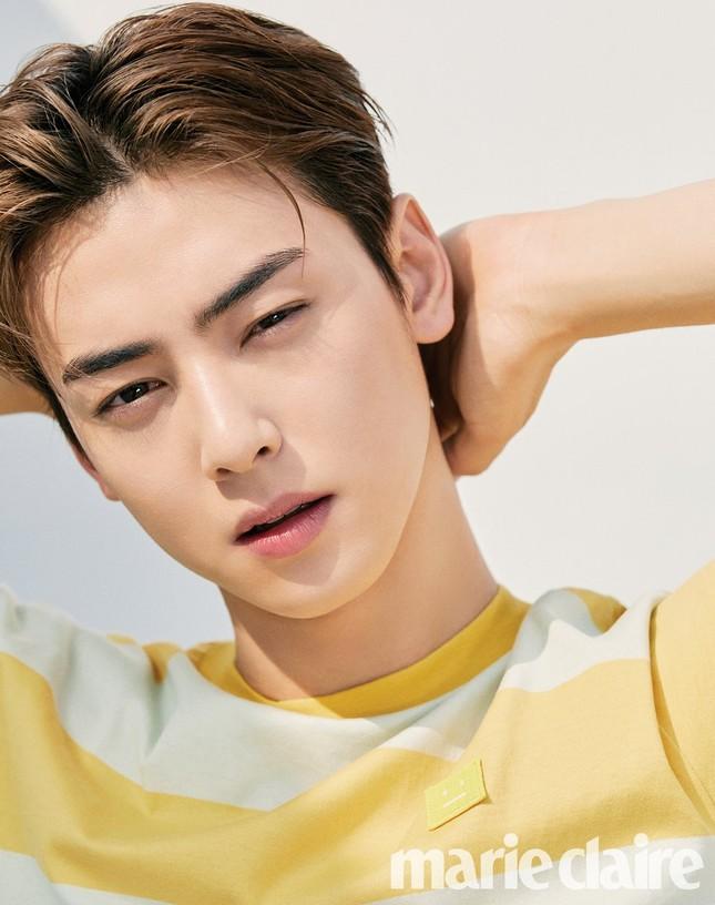 """Tạp chí GQ """"nhá hàng"""" ảnh của Cha Eun Woo, netizen Việt bảo """"trông giống Hồ Quang Hiếu"""" ảnh 1"""