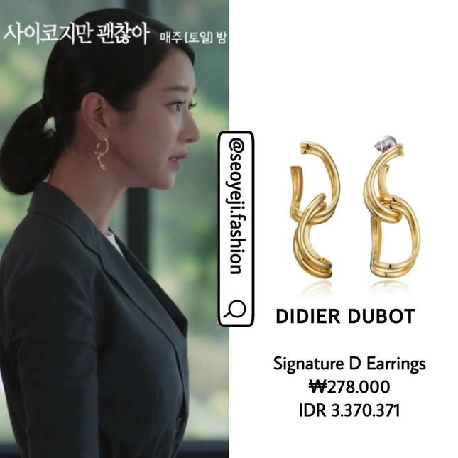 """Bóc giá loạt trang phục siêu xa xỉ của Seo Ye Ji trong tập 11 - 12 """"Điên Thì Có Sao"""" ảnh 17"""