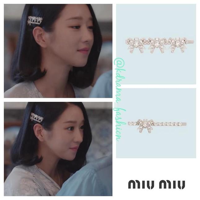 """Bóc giá loạt trang phục siêu xa xỉ của Seo Ye Ji trong tập 11 - 12 """"Điên Thì Có Sao"""" ảnh 11"""