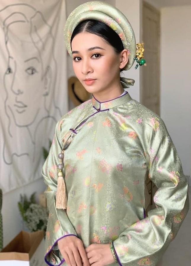Ý Nhi - thí sinh Hoa Hậu Việt Nam cực giỏi tiếng Anh, từng giành Hoa khôi Đại học Huế 2020 ảnh 1