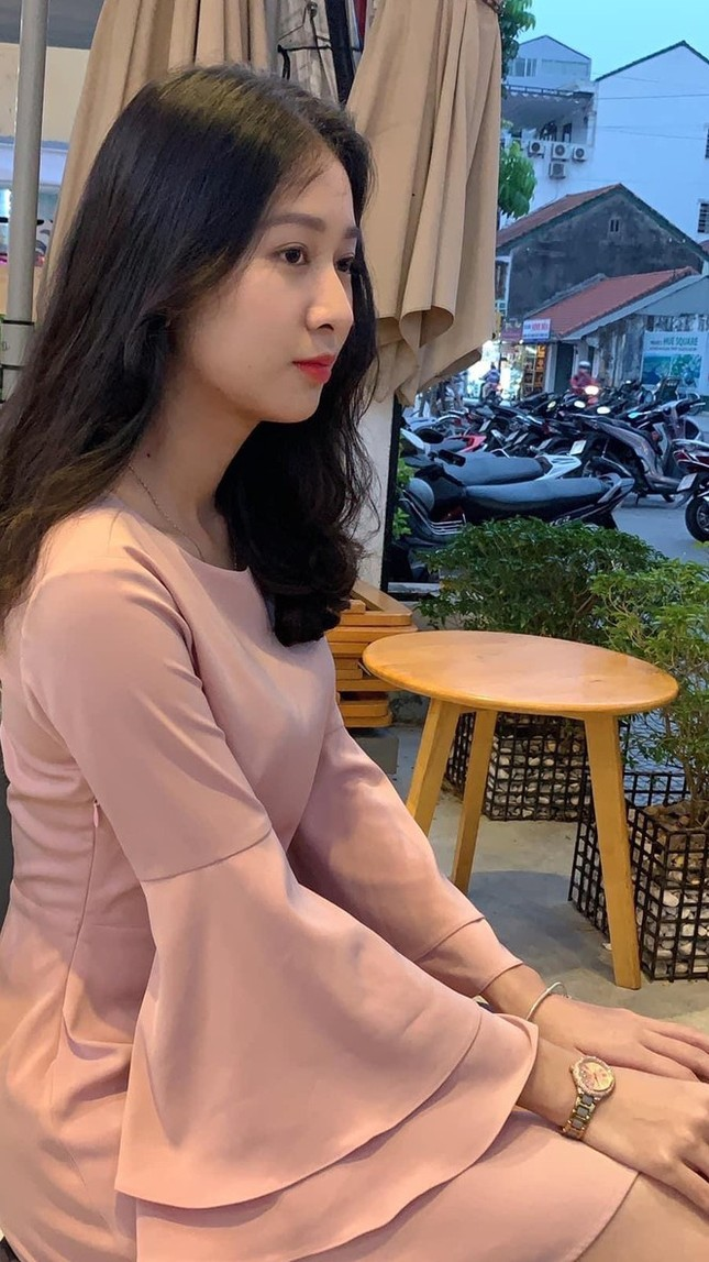 Ý Nhi - thí sinh Hoa Hậu Việt Nam cực giỏi tiếng Anh, từng giành Hoa khôi Đại học Huế 2020 ảnh 2