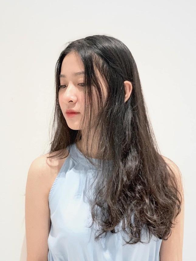 Ý Nhi - thí sinh Hoa Hậu Việt Nam cực giỏi tiếng Anh, từng giành Hoa khôi Đại học Huế 2020 ảnh 4