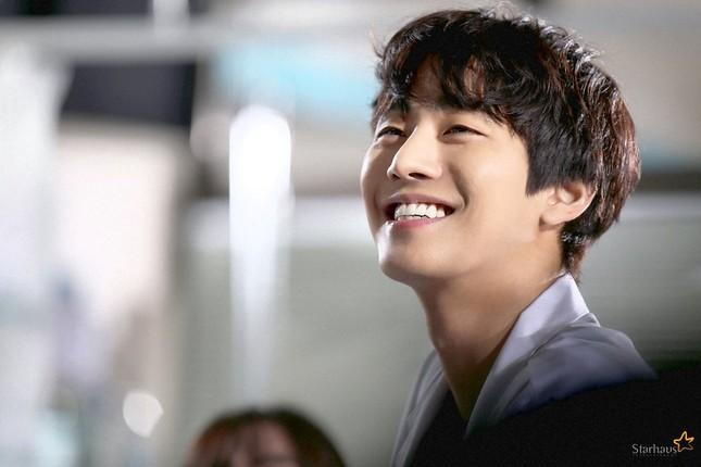 """Ahn Hyo Seop - """"mỹ nam"""" sở hữu đôi chân dài tít tắp, hình mẫu bạn trai mới của fangirl ảnh 9"""