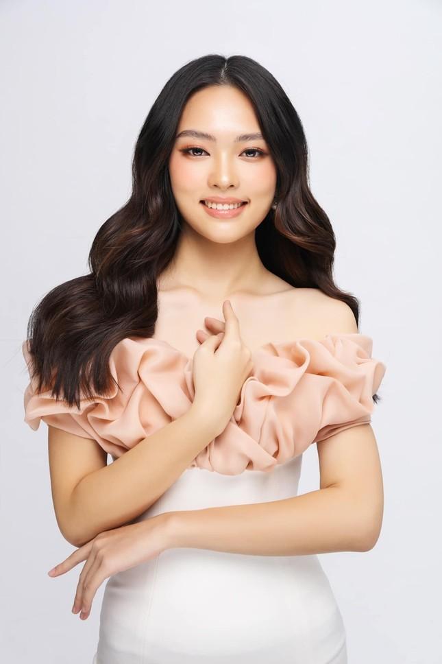 """Ngọc Trang - thí sinh Hoa hậu Việt Nam nhận """"bão like"""" vì có nét giống Jennie (BLACKPINK) ảnh 1"""