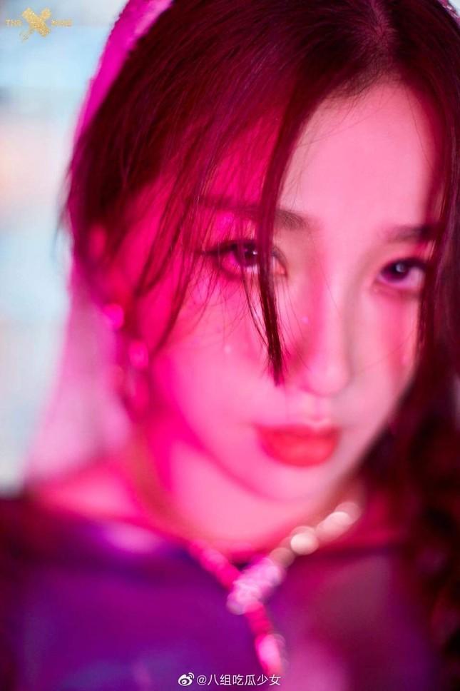"""Kể cả không biết THE9 là ai bạn cũng sẽ bất ngờ với tạo hình của nhóm trong MV """"SPHINX"""" ảnh 9"""