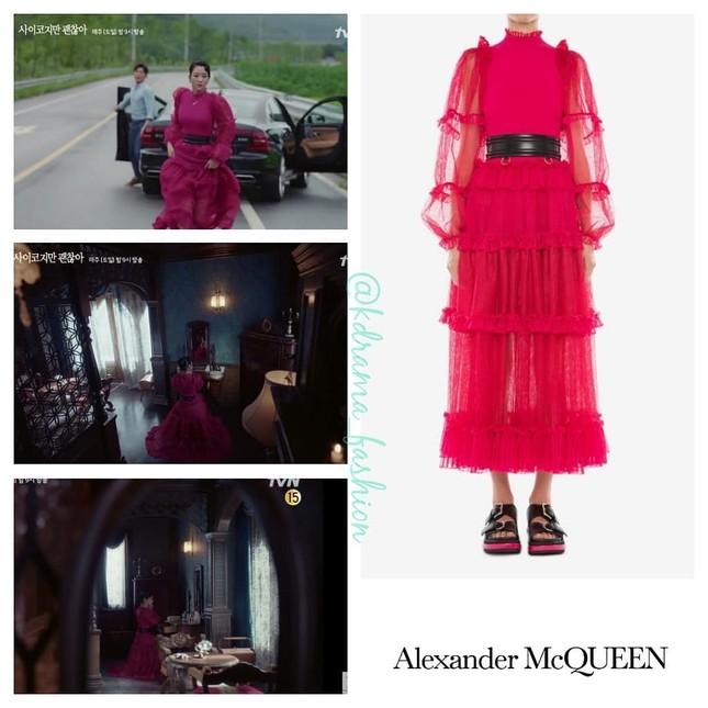 """10 bộ váy đắt giá nhất được Seo Ye Ji mặc trong """"Điên Thì Có Sao"""" khiến fan mê đắm ảnh 5"""