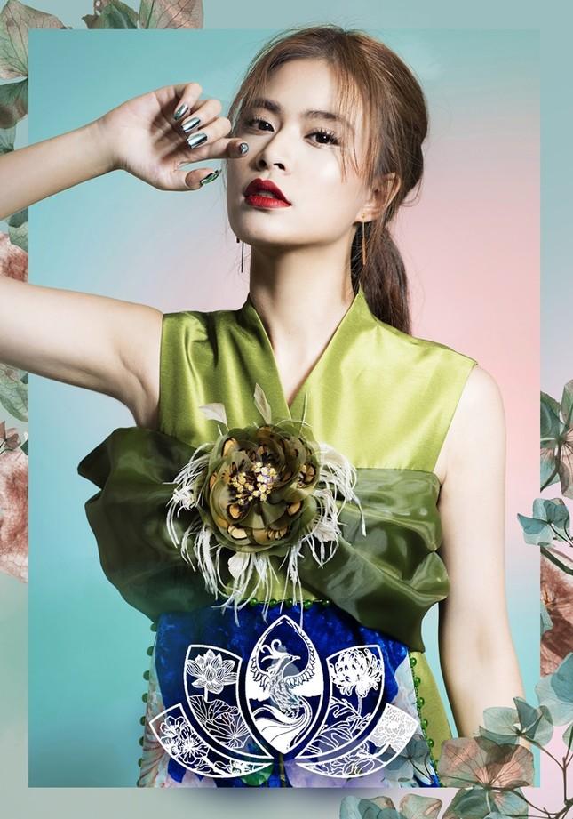 Ngắm 4 set make-up mang dấu ấn Hoàng Thùy Linh hợp tác cùng thương hiệu mỹ phẩm đình đám ảnh 3