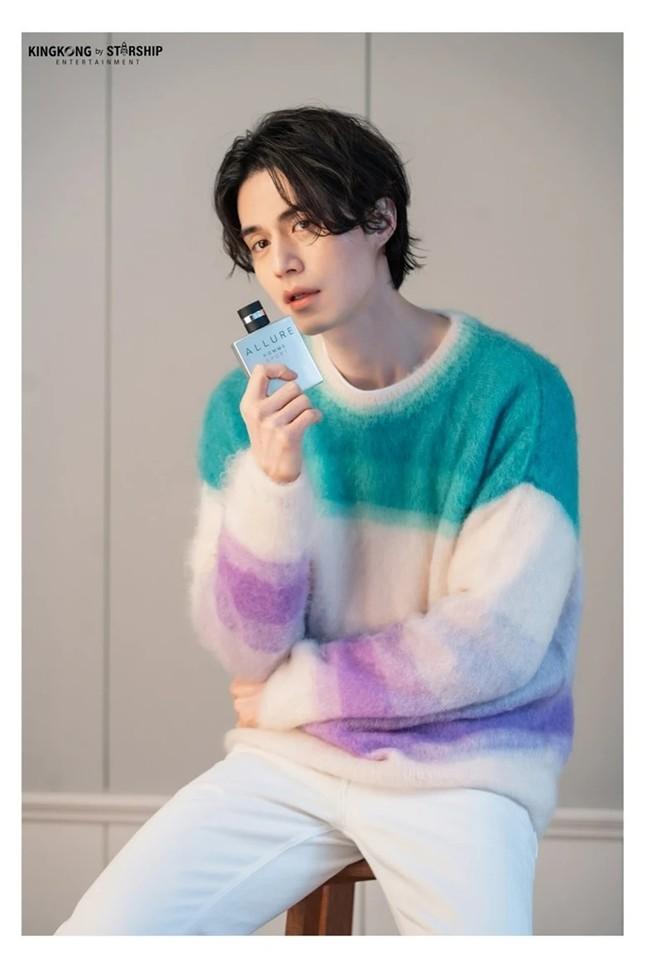 """Màn """"đụng hàng"""" gây sốc nhất lịch sử K-Biz: 15 sao Hàn cùng mặc chung 1 mẫu áo len ảnh 11"""