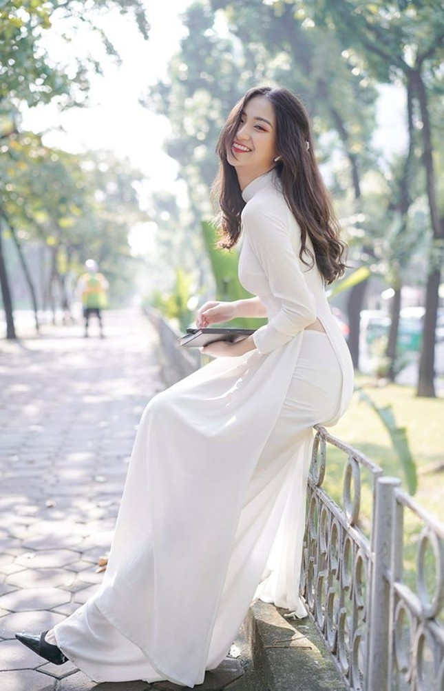 """Diễn viên Anh Thư """"Tình yêu và tham vọng"""" đăng ký dự thi Hoa hậu Việt Nam 2020 ảnh 8"""