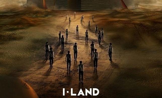 Sau khi phát sóng tập có BTS, I-LAND thông báo có nhân viên nhiễm COVID-19 ảnh 1