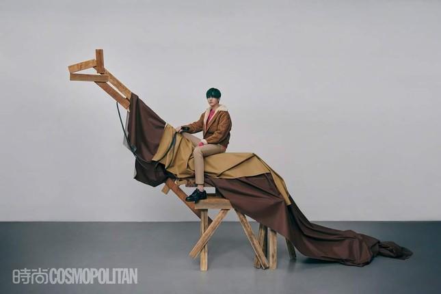 Ngô Diệc Phàm chính thức trở thành sao nam 9X đầu tiên lên bìa Kim Cửu của Cosmopolitan ảnh 6