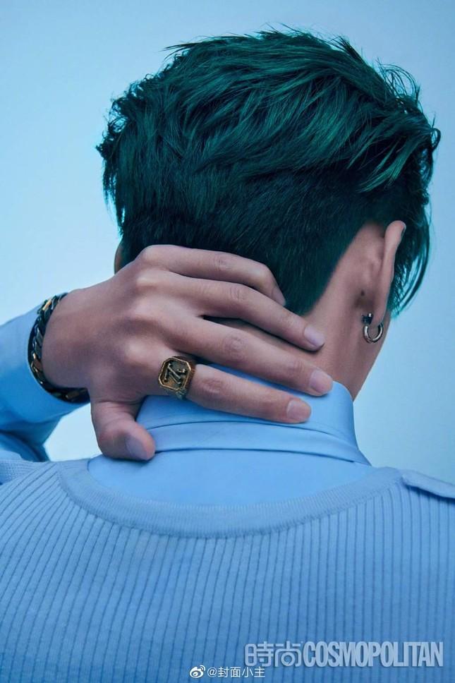 Ngô Diệc Phàm chính thức trở thành sao nam 9X đầu tiên lên bìa Kim Cửu của Cosmopolitan ảnh 5