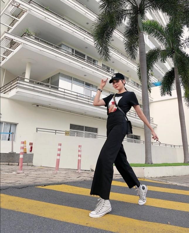 """Dàn mỹ nhân Việt lại trổ tài """"mix&match"""" trang phục cực kỳ bắt mắt, bạn sẽ chọn ai? ảnh 2"""