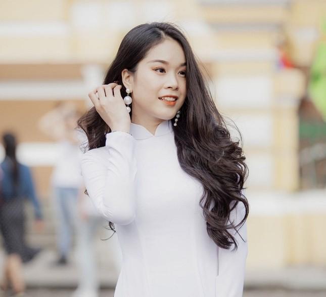 Hotgirl 9x từng tham gia MV Hồ Quang Hiếu được chú ý khi dự thi Hoa hậu Việt Nam ảnh 6