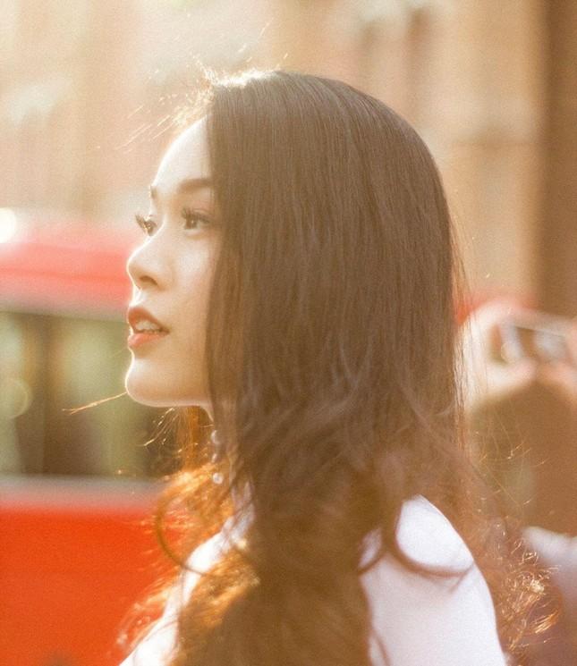 Hotgirl 9x từng tham gia MV Hồ Quang Hiếu được chú ý khi dự thi Hoa hậu Việt Nam ảnh 4