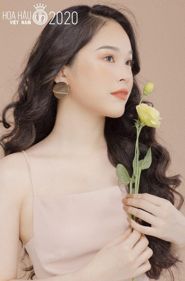 Hotgirl 9x từng tham gia MV Hồ Quang Hiếu được chú ý khi dự thi Hoa hậu Việt Nam ảnh 1