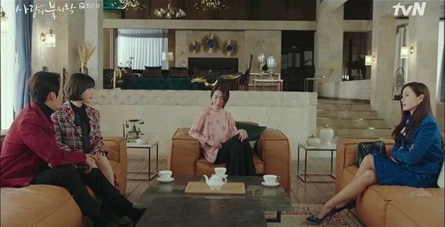 """Đụng hàng Jennie, Lisa, Irene, YoonA, """"chị đẹp"""" Son Ye Jin được khen hay bị chê nhiều hơn? ảnh 1"""