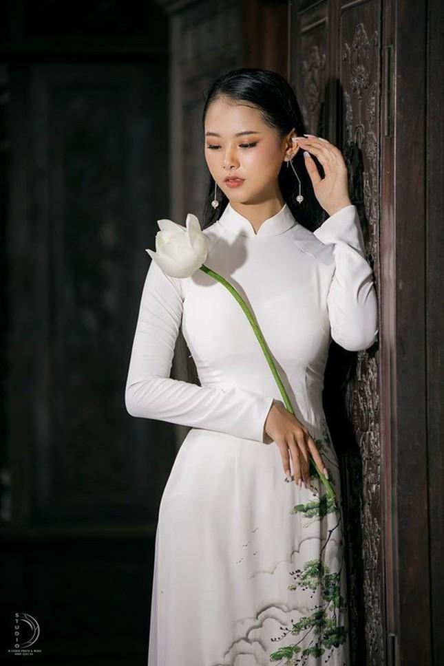 Bạn nghĩ giờ làm gì còn cô gái nào để tóc dài 1m, thí sinh Hoa hậu Việt Nam có đấy! ảnh 4