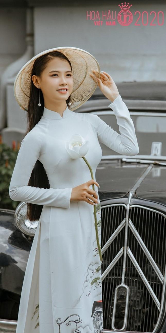 Bạn nghĩ giờ làm gì còn cô gái nào để tóc dài 1m, thí sinh Hoa hậu Việt Nam có đấy! ảnh 1